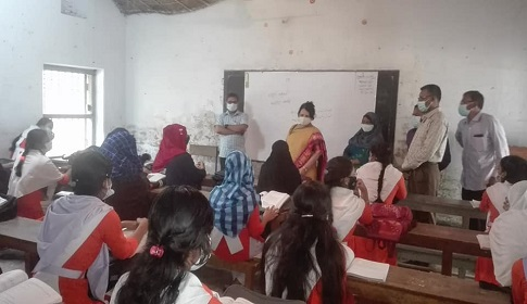 বালিয়াকান্দি সরকারি পাইলট বালিকা উচ্চ বিদ্যালয় পরিদর্শন করলেন জেলা প্রশাসক