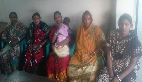 রাজবাড়ীতে কর্মজীবী দলিত নারীদের পুঁজি সহায়তার মাধ্যমে বাঁশ-বেত শিল্প রক্ষার দাবি