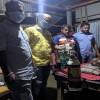 করোনা আক্রান্ত রোগীদের অক্সিজেন পৌঁছে দিচ্ছেন মাসুদ দুলাল