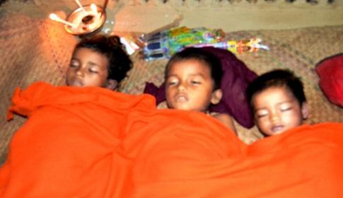 পৃথক তিন ঘটনায় বান্দরবানে পাহাড় ধ্বসে ৬ জনের মৃত্যু