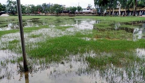 সাপাহার সরকারি কলেজ ক্যাম্পাসে জলাবদ্ধতা