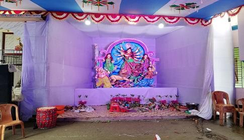 বৈরী আবহাওয়ায় নাগরপুরে পূজার আমেজ ম্লান
