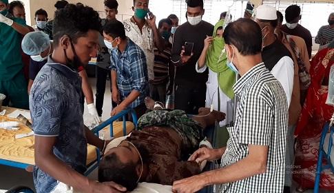 মাদারীপুরে নির্মাণাধীন ছয়তলা ভবন থেকে পড়ে ৩ শ্রমিক আহত