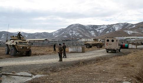 আফগানিস্তানে আত্মঘাতী গাড়িবোমা হামলায় ৩০ সেনা নিহত