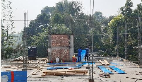 নাগরপুরে প্রতিবন্ধীর জায়গা দখল করে বহুতল ভবন নির্মাণের অভিযোগ