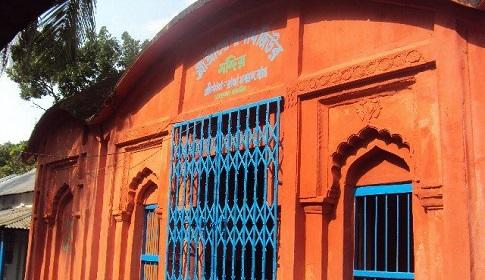কটিয়াদীতে ৫০০ বছরের ঐতিহ্যবাহী গোপীনাথ মন্দিরে চুরি