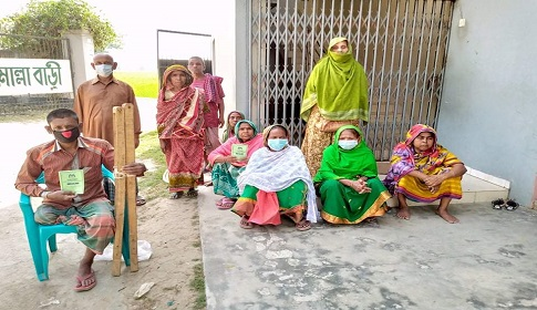 আদমদীঘিতে অসহায়দের পাশে মোল্লা সোশ্যাল ওয়েলফেয়ার