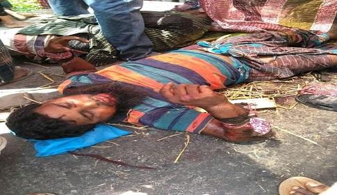 গলাচিপায় সড়ক দুর্ঘটনায় ১০ জন আহত