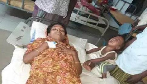 সুবর্ণচরে তুচ্ছ ঘটনায় গর্ভবতী নারীকে পিটিয়ে আহত