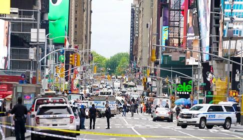 নিউইয়র্কের টাইমস স্কয়ারে গোলাগুলিতে শিশুসহ ৩ জন আহত